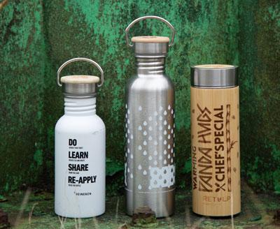 Bedrukte flessen rondom