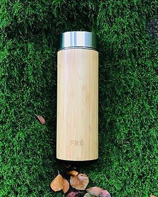 FRÉ-Music - Bambu Tumbler voorzijde gravure sfeer
